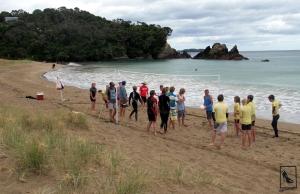 Después de la clase los chicos organizaron un partido de volley y otros juegos de playa.